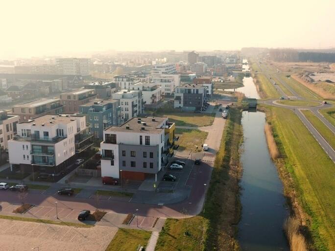 Hallo Almere hallo zonnige daken