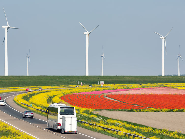 Hallo Stroom Lelystad a6 windmolens zonnepanelen